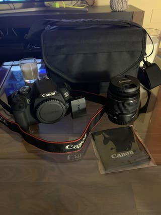 Canon EOS 2000D + objetivo 18-55 mm