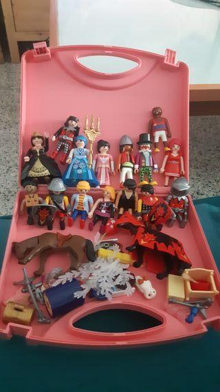 muñecos playmobil y maletin