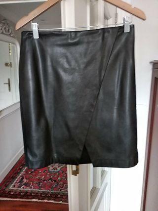 Preciosa falda de Bimba y Lola,punto y polipiel