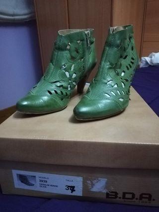 Vendo botines verdes