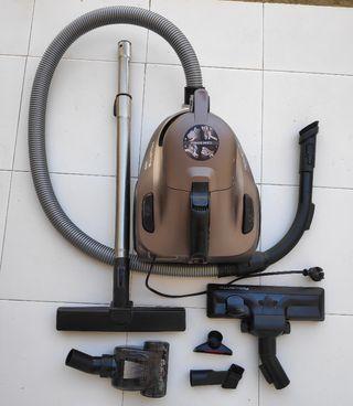 Aspiradora Rowenta compact power ciclónica