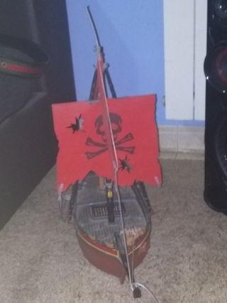 juguete barco pirata