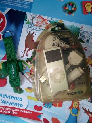 MP3 con cargador y llavero