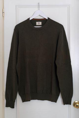 Jersey manga larga para hombre marca Easy Wear.