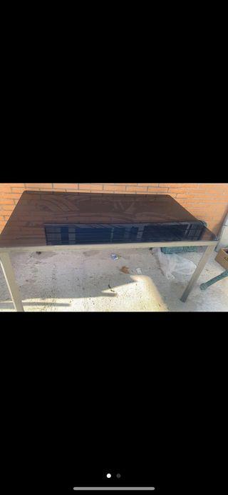 Mesa exterior de cristal