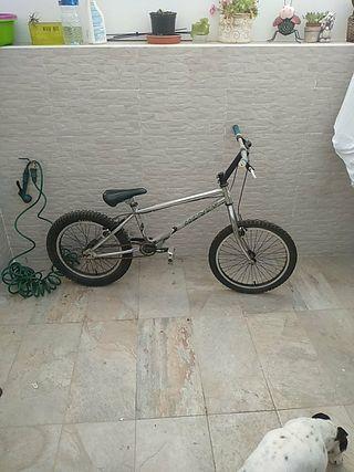 bicicleta Monty 219 bike trial
