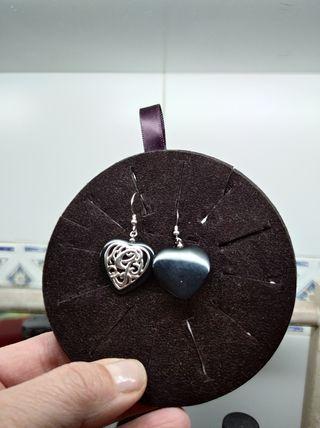 pendientes en forma de corazon