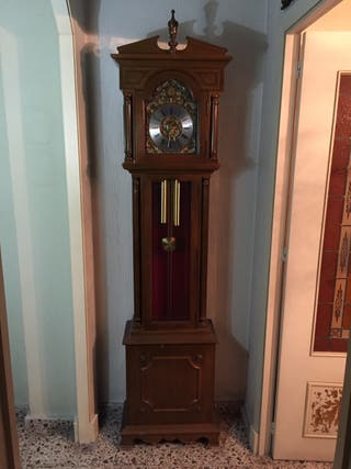 B13.-Reloj de pie antiguo