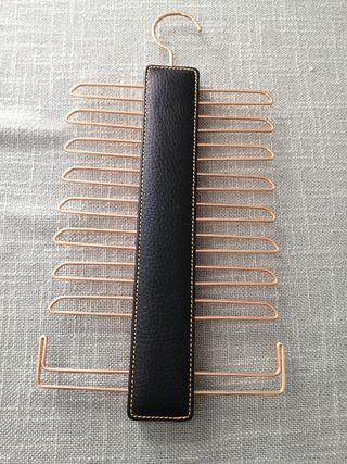 Percha para corbatas o cinturones