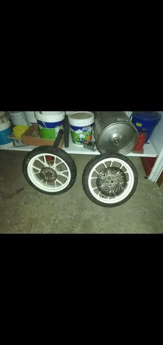 se vende llantas sm ruedas sm derbi gpr