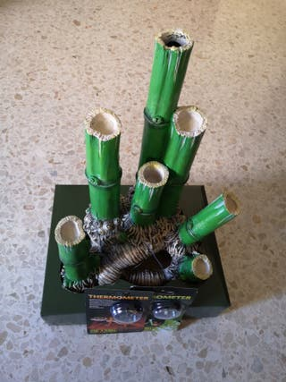 cueva bambú,termómetro e higrometro exoterra