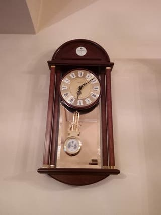 Reloj de pared Junghans ¡Urge!