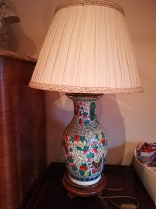Lampara francesa de porcelana