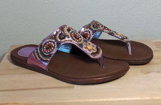 Sandalias violeta con pedrería marroquí