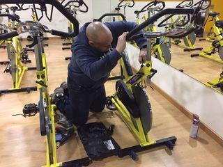 reparación y mantenimiento gym fitness