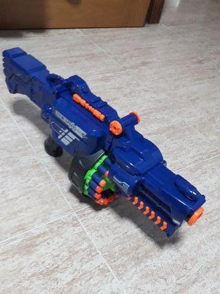 pistola nerf con valas de plastico