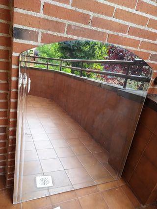 Gran espejo de pared