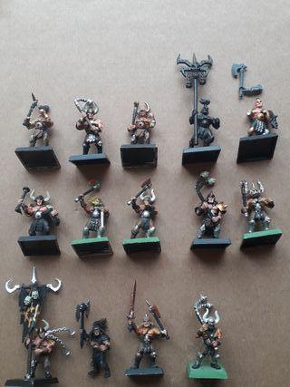 Bárbaros del Caos Warhammer
