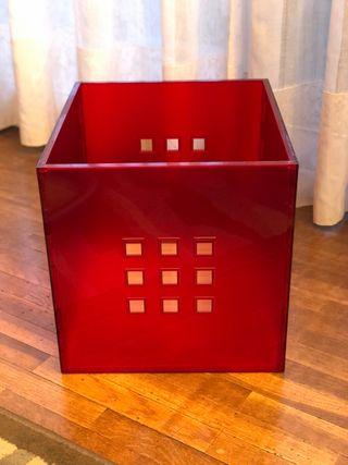 Cajón Ikea Lekman.Rojo