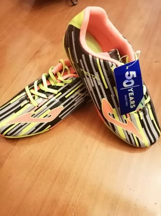 vendo botas de futbol. número 35