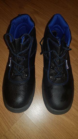 [EPI] Calzado de seguridad- Talla 43