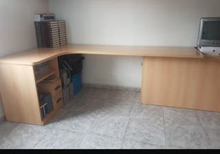 mueble escritorio con zapatero