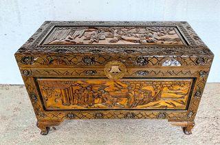 Arcon baul chino antiguo tallado