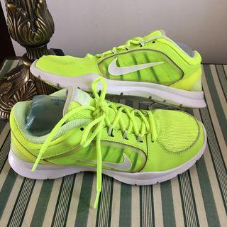 Nike zapatillas training número 39