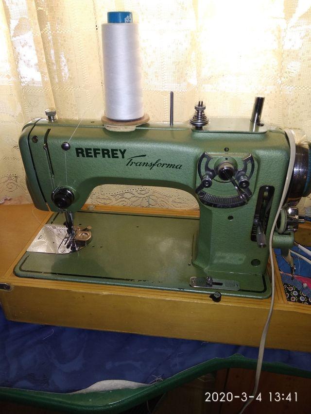 Maquina de coser Refrey de segunda mano por 180 € en Los