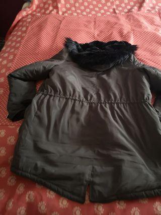 chaquetón con capucha
