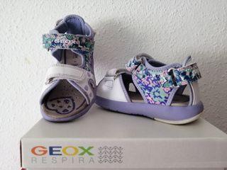Sandalias niña Geox como nuevas.