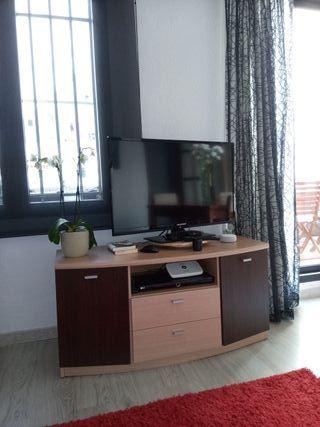 Mueble Televisión y vitrina