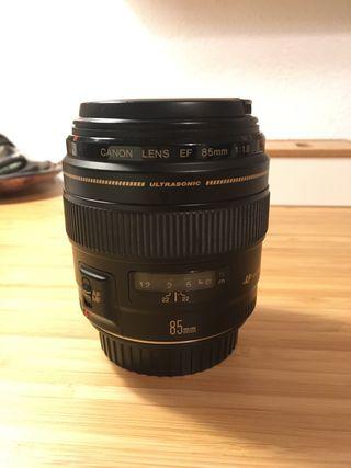 Canon 85 mm f/1.8 USM EF