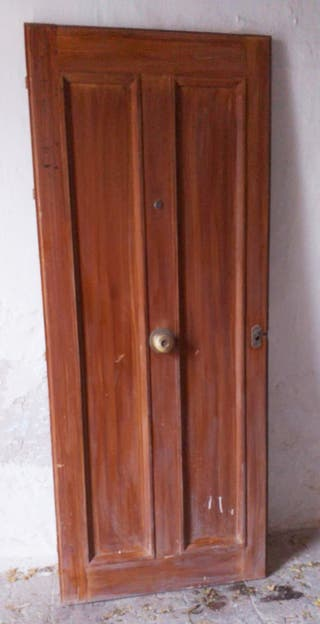 Puerta de entrada madera maciza de pino tea