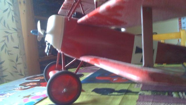 avion de rc fokker triplano