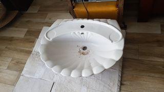 Lavabo con forma de concha