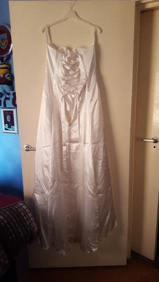 wedding dress veil and terra