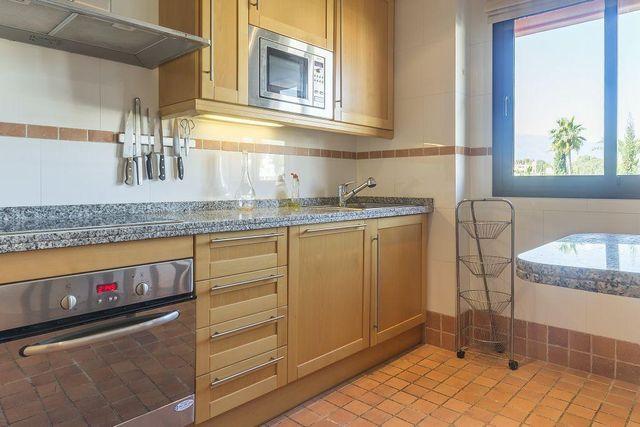 Apartamento en alquiler en El Padrón - El Velerín - Voladilla en Estepona (Gualdalmansa, Málaga)