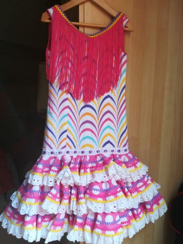 Trajes de Flamencas cortos.