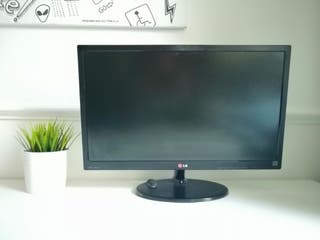 "PC monitor LG 24"" LED 1080 p"