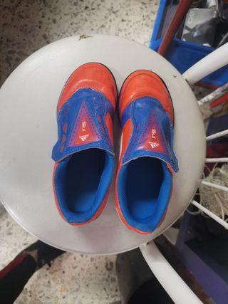 botas de fútbol Adidas N32