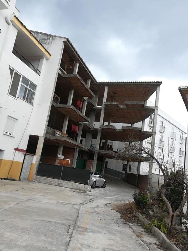 INMOMALAGA VENDE CASA 4 PLANTAS EN ESTRUCTURA (Tolox, Málaga)