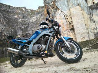 Moto SUZUKI GS500 AÑO 2000 32 kw (apta A2)