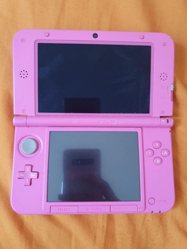 Nintendo 3DS XL + extras