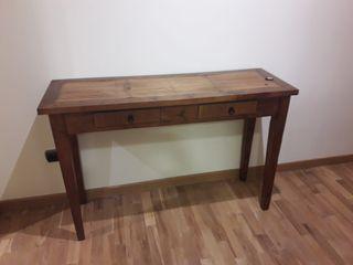 consola de madera de teka