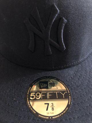 Gorra negra yankees
