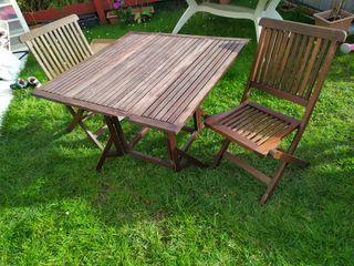 mesa de madera para jardin con 2 sillas