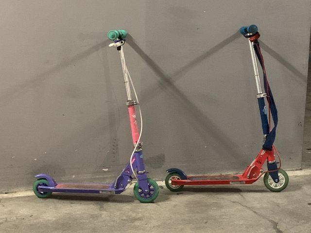 venta de dos patinetes niño y niña