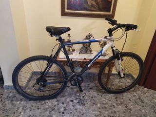 Se vende bicicleta scott