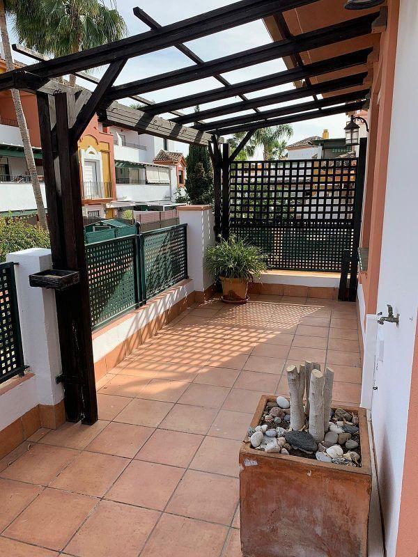 Piso en alquiler en Paraíso - Atalaya- Benamara en Estepona (Atalaya Isdabe, Málaga)